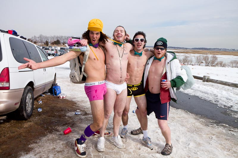 plunge guys Plunge's best 100% free dating site meeting nice single men in plunge can seem hopeless at times — but it doesn't have to be mingle2's plunge personals are full.