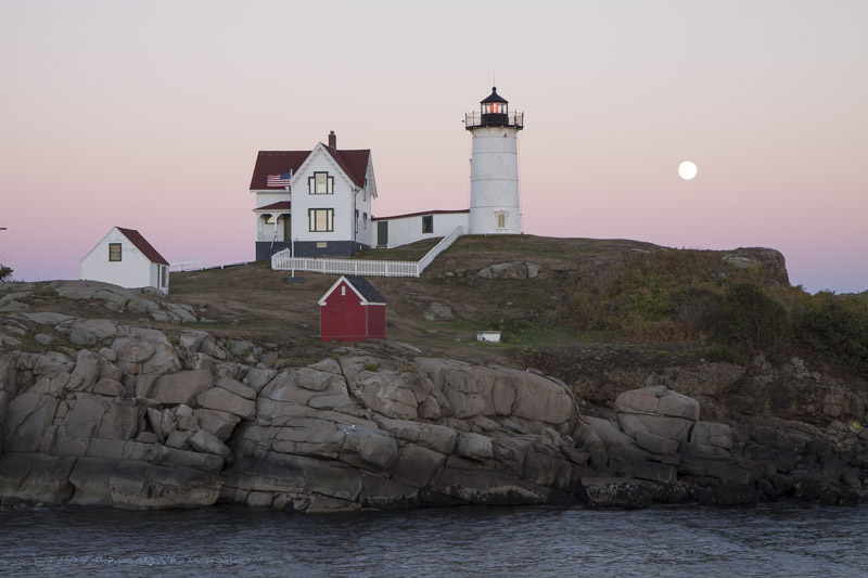 moonrise-over-nubble-light-2-7769
